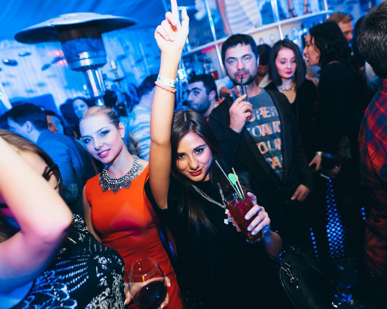 фотоловушку сайт фото с ночных клубов владивосток тела погибших